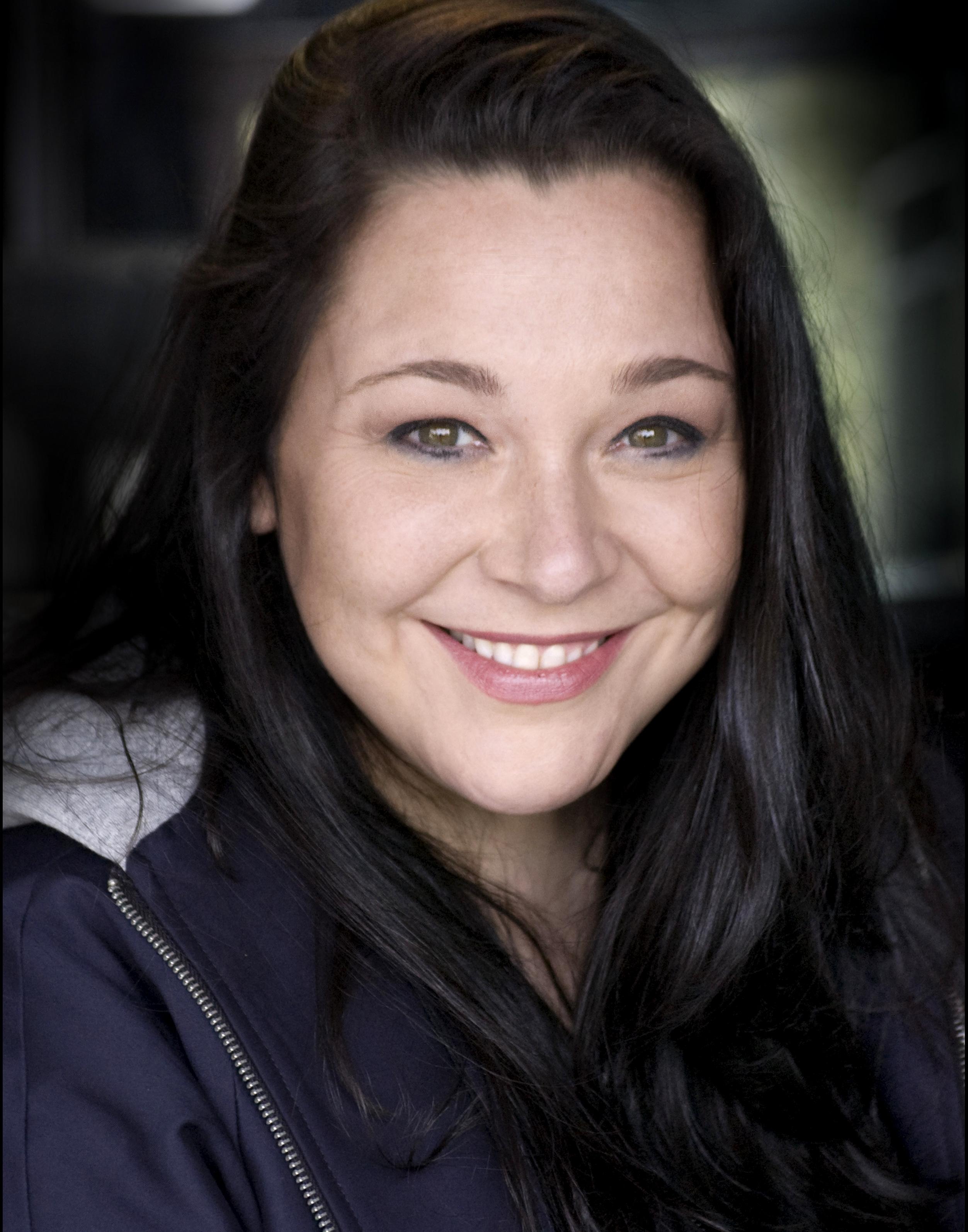 Tara Daniels Headshot