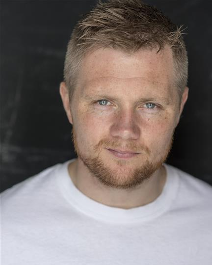 Alex Thompson Headshot