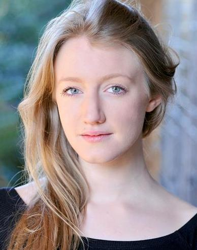 Elizabeth Jones Headshot