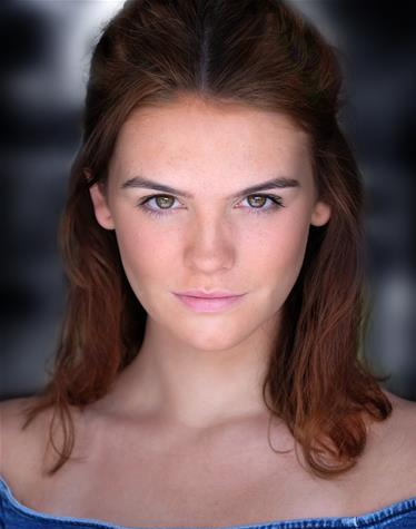 Olivia Fearn Headshot