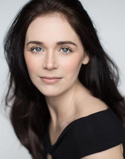 Nicola Holt Headshot
